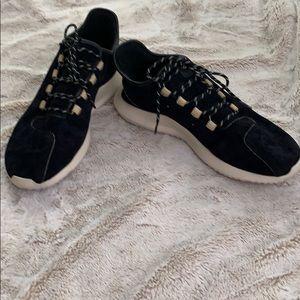 Adidas men's black suede shoes size 11.5
